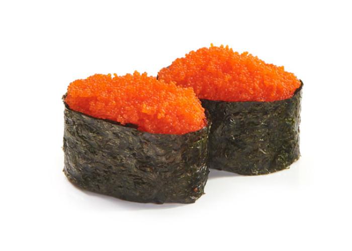 Икра летучей рыбы суши 2шт